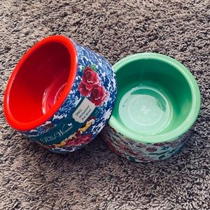 Pioneer Woman Dog Dishes